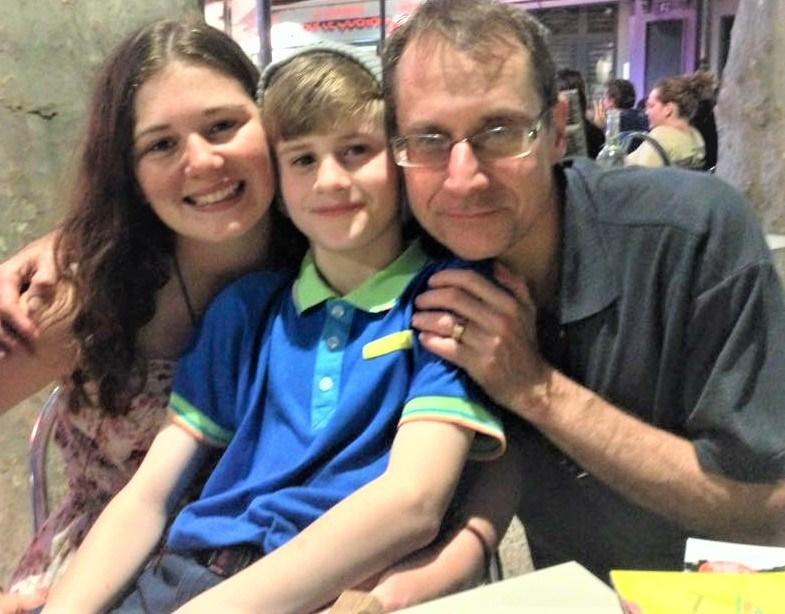 My crazy family – Lisa, Nick and Alan